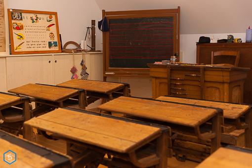 ancien mobilier d'école