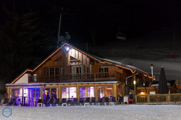 bar_taverne_front_de_neige_sja_sybelles