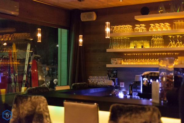 hors_piste_restaurant_bistronomie_deco_bar_interieur.jpg